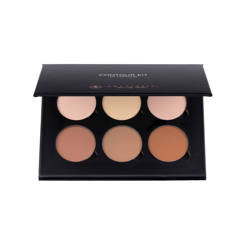 """Get your contouring game right with this highlighting and contouring palette. <br><br>Price: $40<br><br><a href=""""http://www.a"""