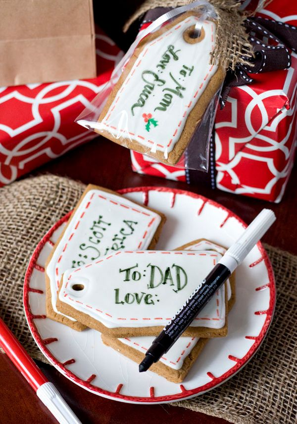 """<strong>Get the <a href=""""http://www.ericasweettooth.com/2012/12/gingerbread-gift-tag-cookies.html"""">Gingerbread Gift Tag recip"""