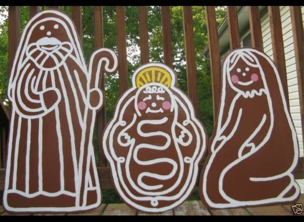 Celebrate two important holiday signifiers -- the Nativity and gingerbread men -- by combining them into big lawn ornaments.