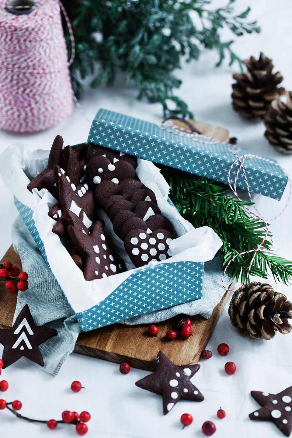 11 Next Level Gingerbread Cookies That Stir Up Tradition Huffpost Life