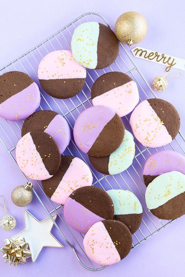 """<strong>Get the <a href=""""http://www.studiodiy.com/2015/12/02/color-dipped-gingerbread-cookies/"""">Color-Dipped Gingerbread Cook"""