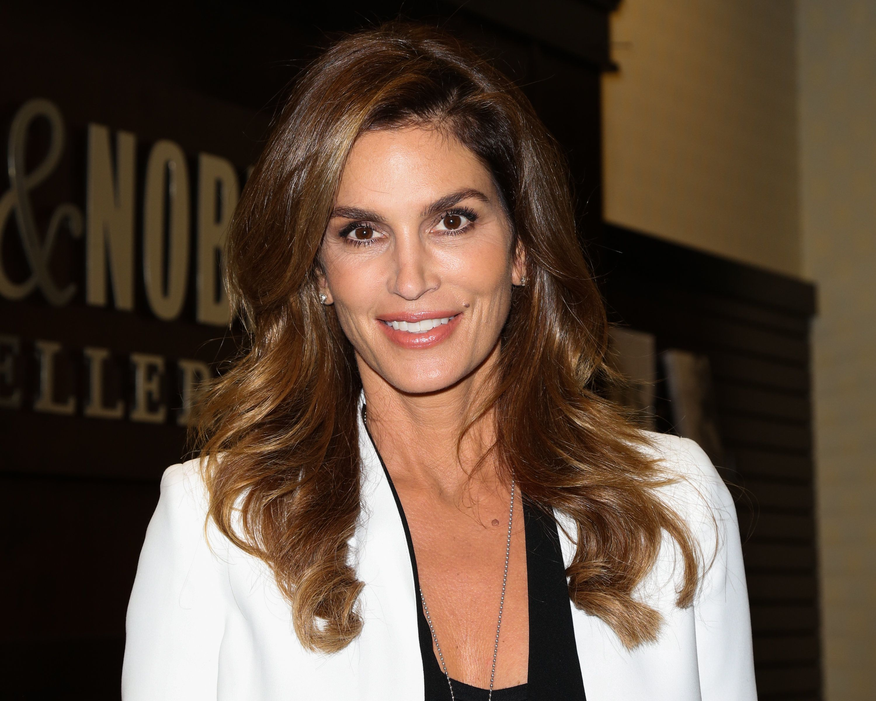 LOS ANGELES, CA - OCTOBER 15:  Fashion Model / TV Personality Cindy Crawford attends a book signing for her new book 'Becoming Cindy Crawford' at Barnes & Noble at The Grove on October 15, 2015 in Los Angeles, California.  (Photo by Paul Archuleta/FilmMagic)