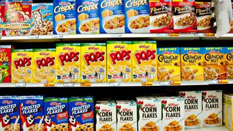 Kellogg Co. breakfast cereals sit on display in a supermarket in Princeton, Illinois, U.S., on Friday, Jan. 27, 2012. Kellogg Co. will release its 2011 fourth quarter earnings on Feb. 2, 2012. Photographer: Daniel Acker/Bloomberg via Getty Images
