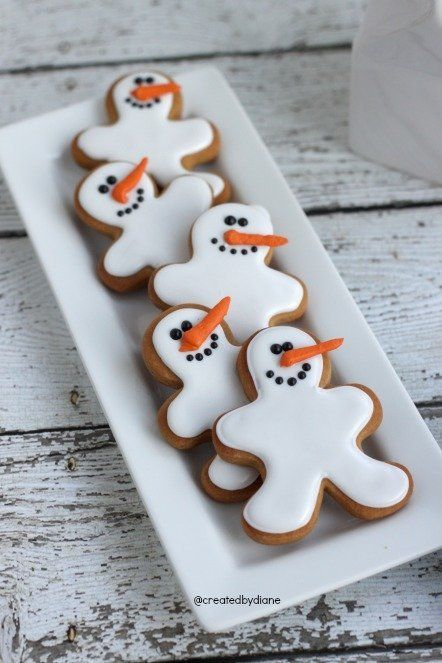 """<strong>Get the <a href=""""http://www.createdby-diane.com/2013/12/snowman-gingerbread-cookies.html"""">Snowman Gingerbread Cookie"""