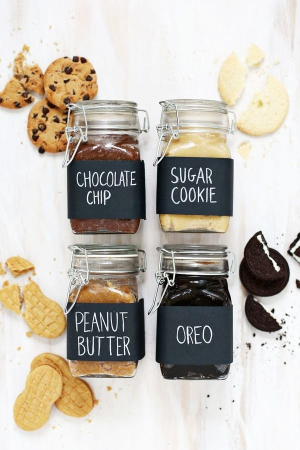 "<strong>Get the <a href=""http://www.abeautifulmess.com/2014/10/make-homemade-cookie-butter-with-any-cookie.html"">Homemade Coo"
