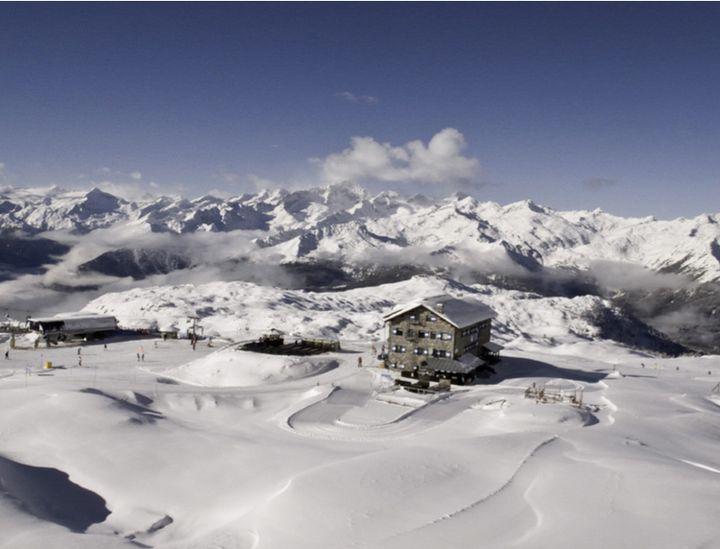 The ultimate winter getaways in italy huffpost for Best us winter getaways
