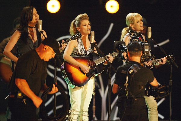 In 2003, the Dixie Chicks were one of the most famous bands in America. But when lead singer Natalie Maines publicly criticiz