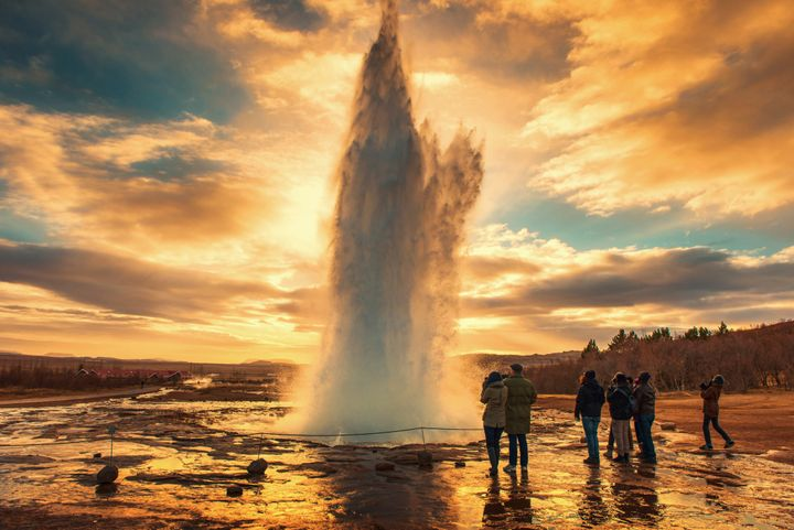"The famous <a href=""http://www.icelandtravel.is/about-iceland/destination-guide/south/detail/item350298/Geysir"">Strokkur geyser</a>&nbsp;erupts every five to 10 minutes, gushing&nbsp;water up to <a href=""http://www.icelandtravel.is/about-iceland/destination-guide/south/detail/item350298/Geysir"">100 feet in the air</a>."