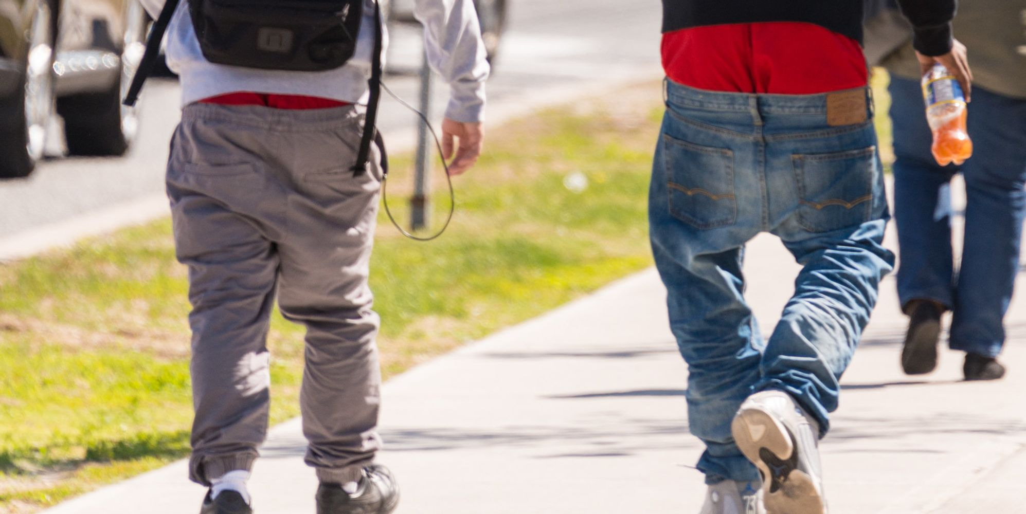 sagging pants Several florida cities are cracking down on a saggy pants problem this week,  ocala voted unanimously to approve an ordinance that prohibit.