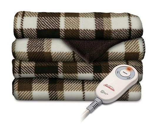 """<i><a href=""""http://www.target.com/p/sunbeam-slumberrest-microplush-heated-throw-with-foot-pocket-patterned/-/A-17436769#demo-"""