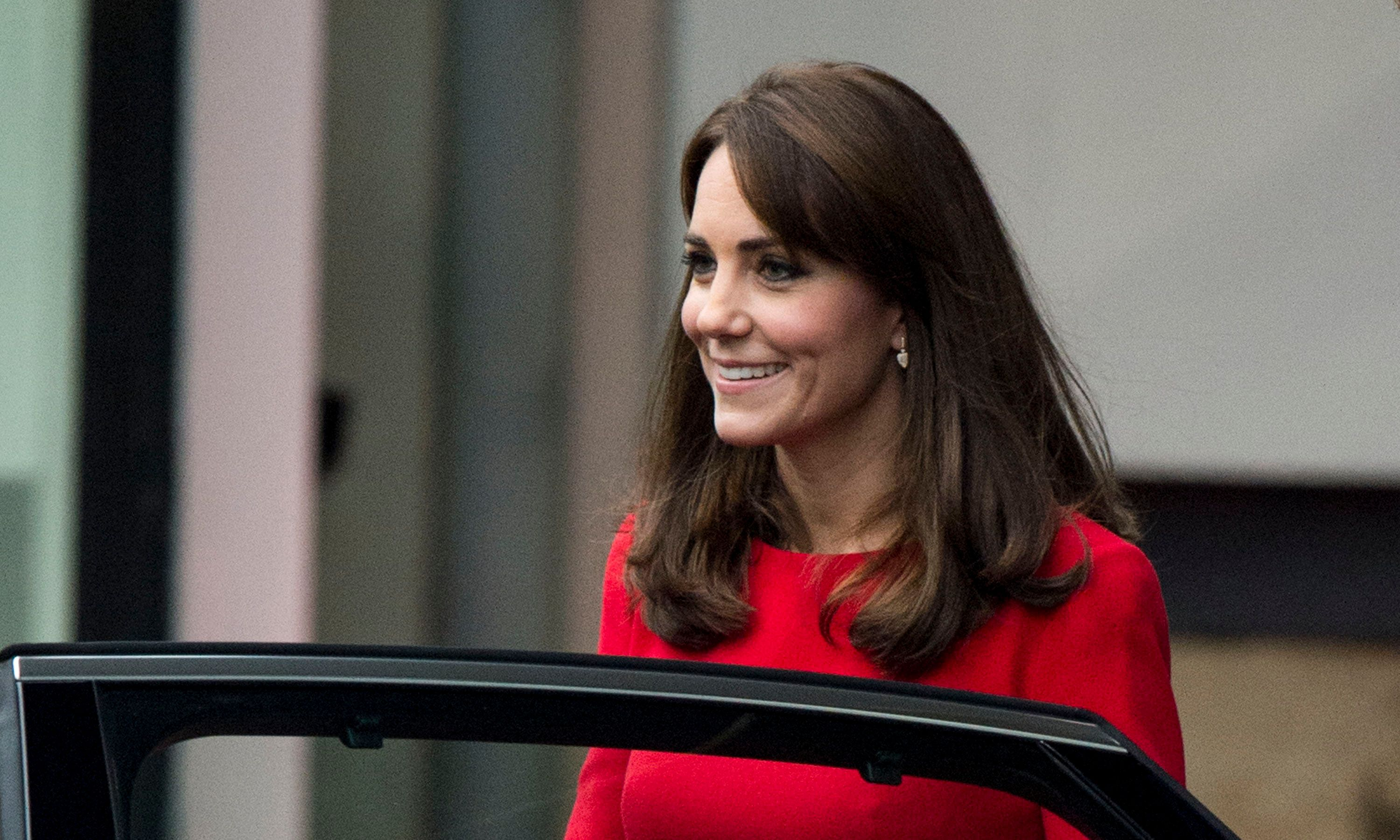 LONDON, ENGLAND - DECEMBER 15:  Catherine, Duchess of Cambridge attends the Anna Freud Centre Family School Christmas Party at Anna Freud Centre on December 15, 2015 in London, England.  (Photo by Mark Cuthbert/UK Press via Getty Images)