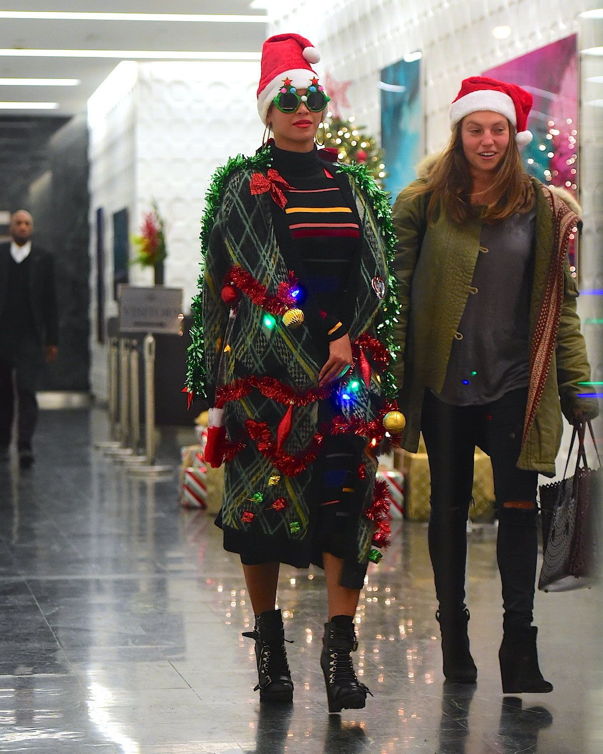 Beyoncé's Christmas-Themed Getup Beats Your Ugly Holiday Sweater ...