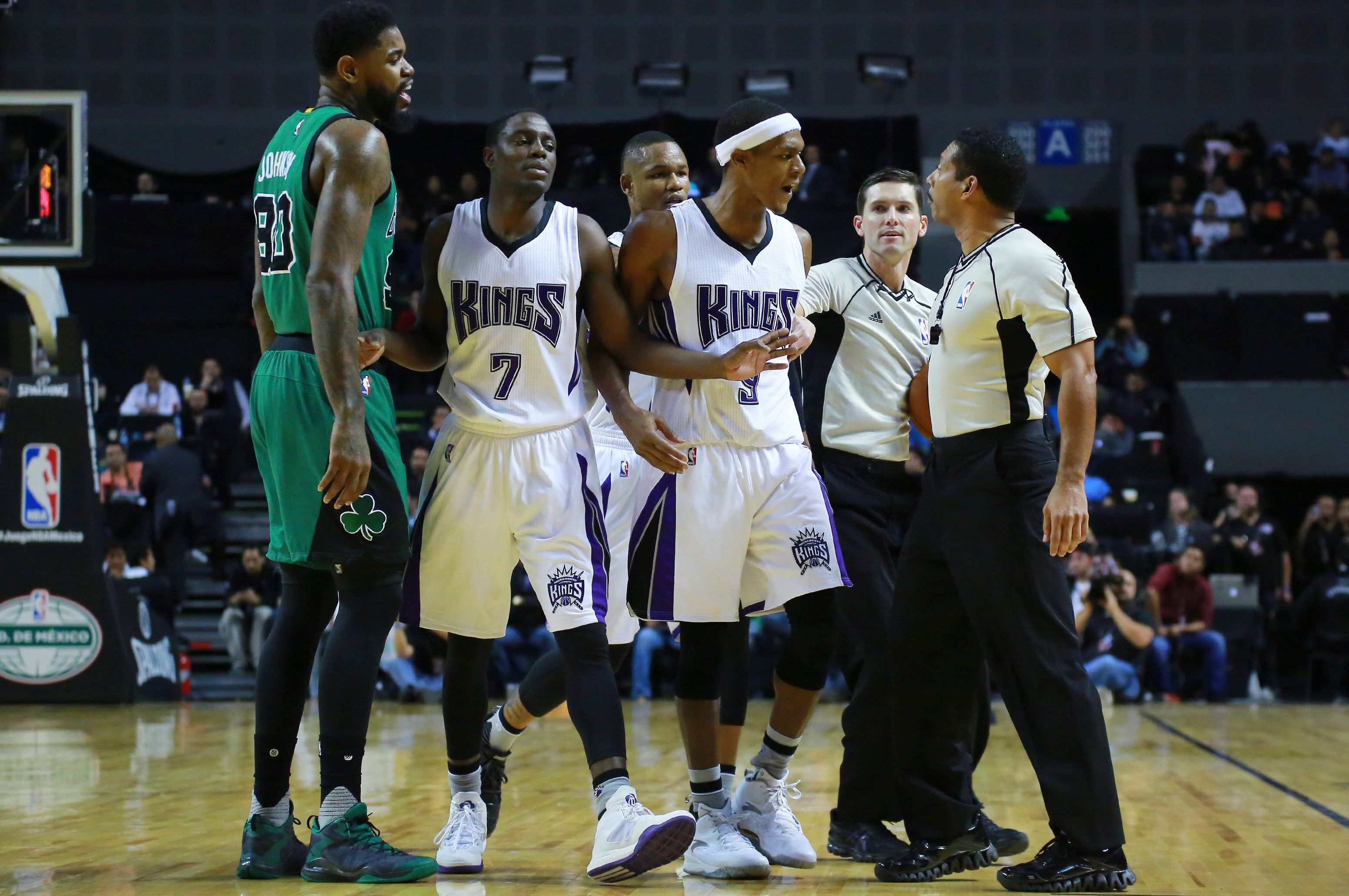 MEXICO CITY, MEXICO - DECEMBER 03:  Rajon Rondo of Sacramento Kings argues with the referee during the match between Sacramento Kings and Boston Celtics at Arena Ciudad de Mexico on December 03, 2015 in Mexico City, Mexico. (Photo by Hector Vivas/LatinContent/Getty Images)