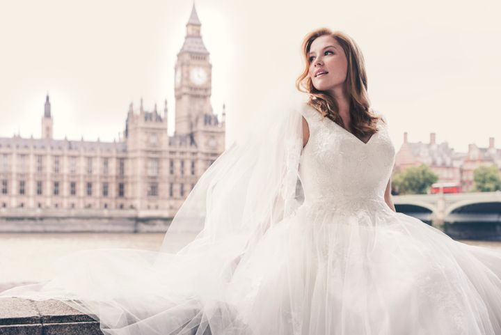 David\'s Bridal Casts A Plus-Size Model In Stunning New Campaign ...