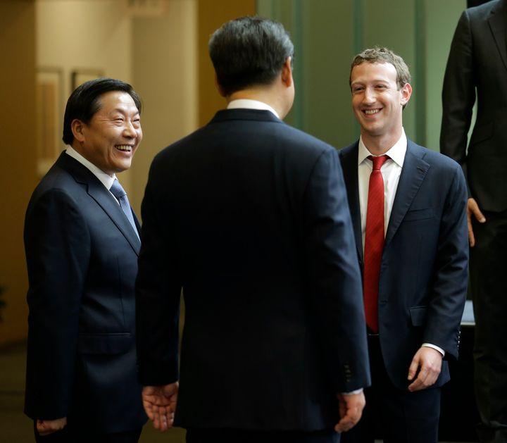 Mark Zuckerberg speaks with Chinese President Xi Jinping and cyber czar Lu Wei in Seattle.