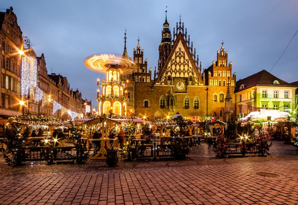 This lesser-known though equally lovelymarket is located in the old city'sMarket Square.