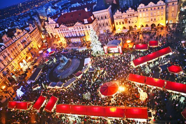 """It's huge, crowded and can't be missed -- <a href=""""http://www.prague.eu/en/event/6662/christmas-markets-2015-on-the-old-town-"""