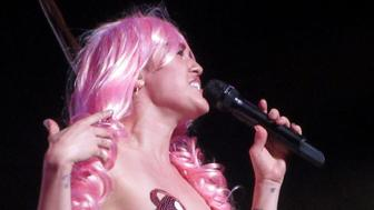 Miley Cyrus brings the Milky Milky Milk tour to Vancouver. Joined along with The Flaming Lips (known on this tour as 'Her Dead Petz' this is Miley's only Canadian date on the small tour, and the second last performance of the tour. Sporting the usual shocking yet fun costumes, Miley ran through most of her new 'mixtape' album, and even a few of her more recent hits. 