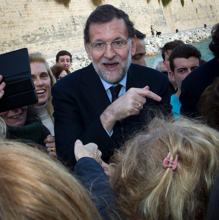Mariano Rajoy's People's Party heads into Sunday's election with the largest block of seats, but well short