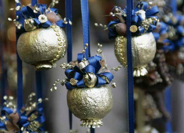 """Handcrafted decorations, delicious pastries and tons of ambiance make the <a href=""""http://www.salzburg.info/en/art_culture/ad"""