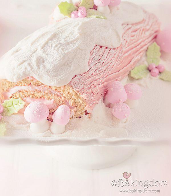 "<strong>Get the <a href=""http://bakingdom.com/2012/12/peppermint-yule-log.html"" target=""_blank"">Pink Peppermint Bûche de Noël"