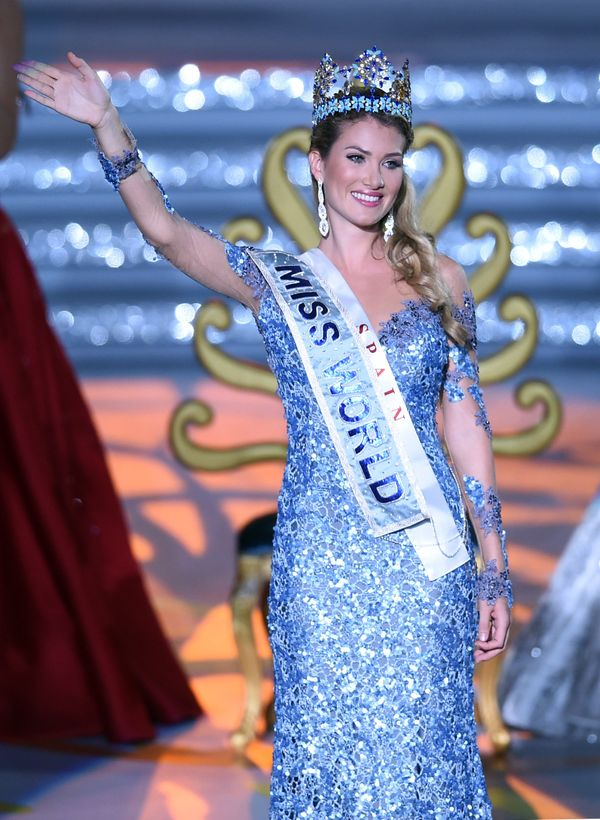 Mireia Lalaguna Rozo of Spain waves after winning the new title at the Miss World at the Grand Final in Sanya,China,&nb