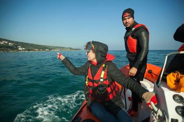 Susan Sarandon helping refugees