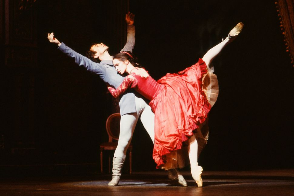 Russian-born French dancer Rudolf Nureyev dances with an unidentified cast member in Frank Ohman's New York Dance Theatre pro