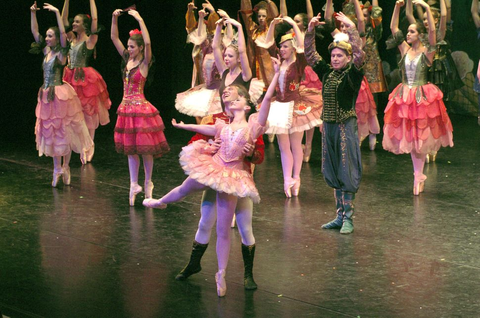 "Glenn and Janet Davis are the principle dancers in ""he Nutcracker"" ballet in 2006."