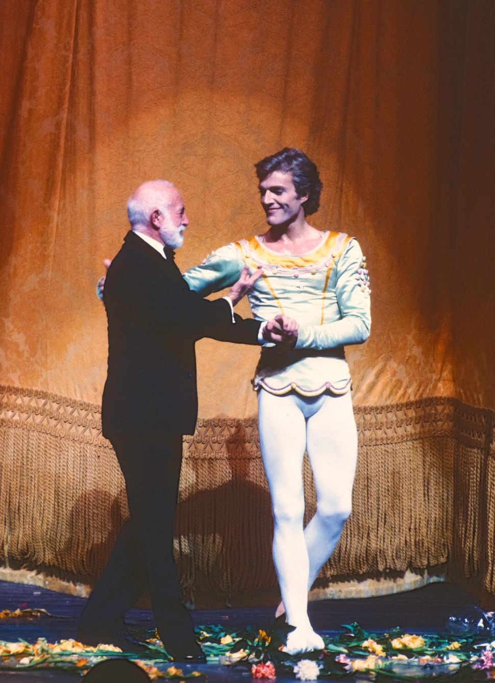 After his final performance with the New York City Ballet, Danish dancer Peter Martins (right) is greeted by American choreog