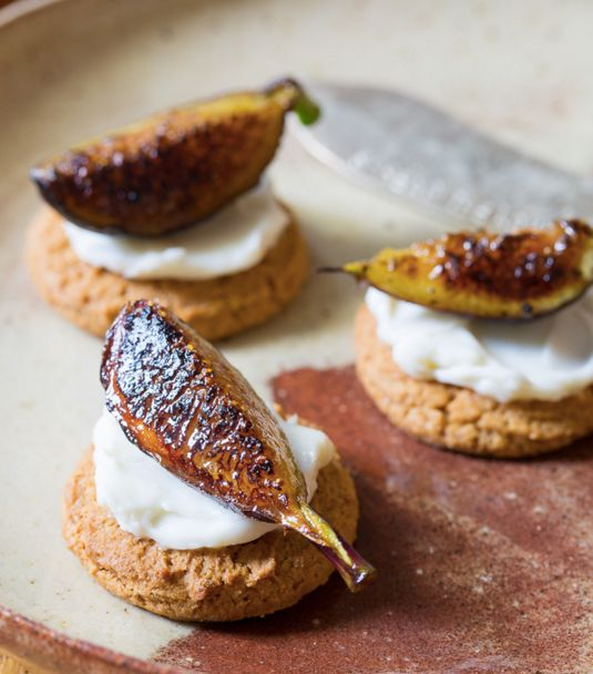 "<strong>Get the <a href=""http://www.aspicyperspective.com/caramelized-figs-with-cheese-and-gingersnaps/"">Caramelized Figs wit"