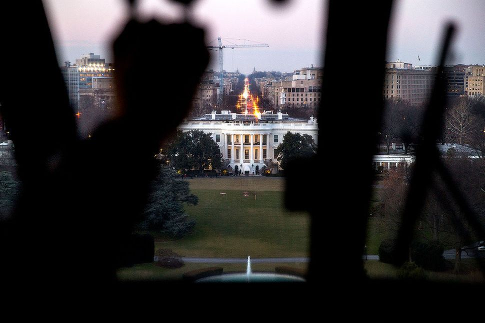 An aerial view of the White House taken from the cockpit of Marine One upon arrival from Baltimore, Maryland, on Jan. 15, 201