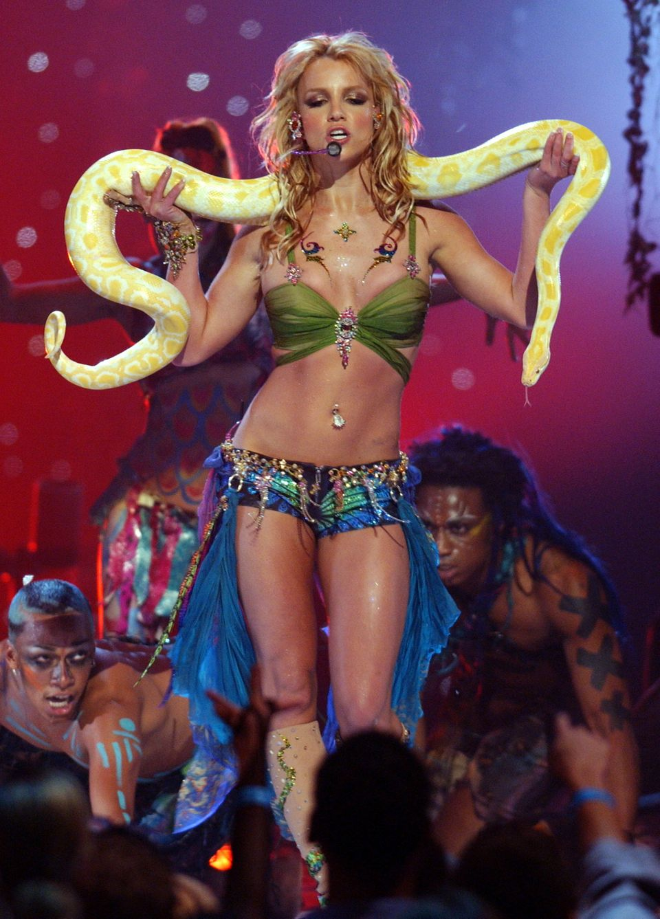 (NO TABLOIDS)    Britney Spears performs during 2001 MTV Video Music Awards - Show at the The Metropolitan Opera House at Lin