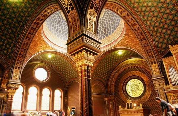 "This <a href=""http://www.jewishmuseum.cz/en/explore/sites/spanish-synagogue/"">synagogue</a> in Prague was built in 1868, over"