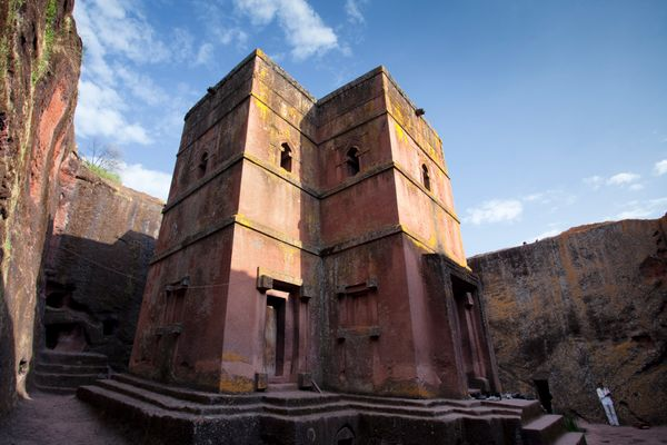 Bete Giyorgis (Saint George) church is carved out of one single piece of stone. It is one of 11 solid rock churches