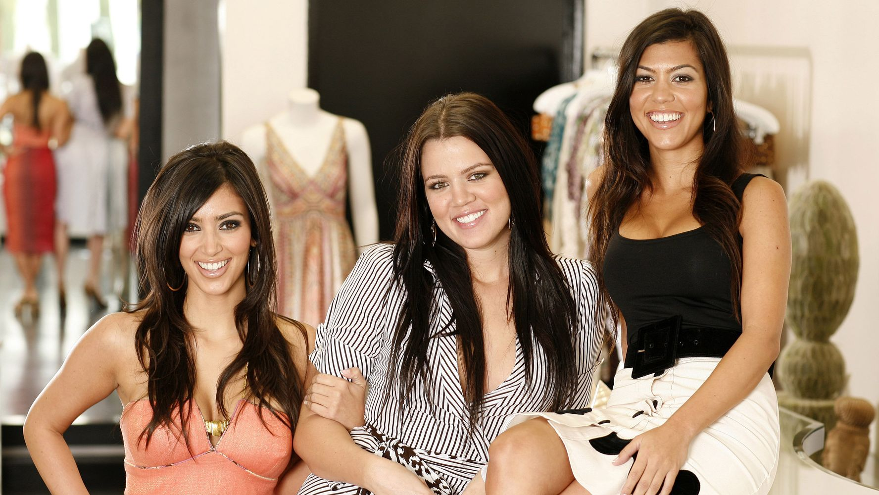 Khloe Kardashian Admits She Dyed Her Hair Dark To Fit In With Her Sisters Huffpost Life
