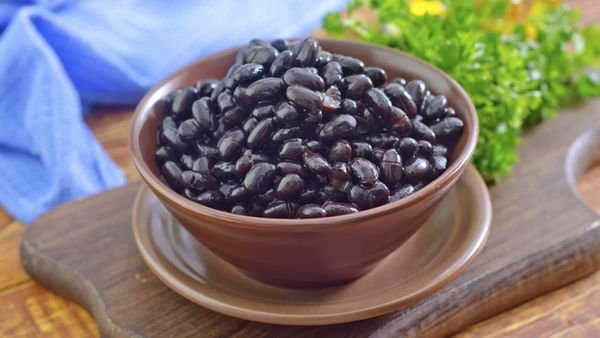 """<strong>The Fiber:</strong> 7.5 grams in a &frac12; cup <br><br><strong>Try These:</strong> <a href=""""http://www.oprah.com/foo"""