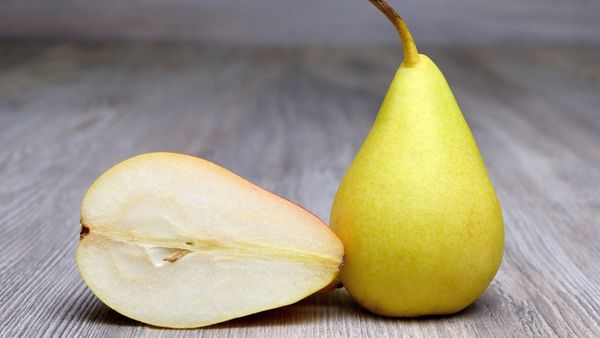 <strong>The Fiber:</strong> 5.5 grams in 1 medium pear <br><br><strong>Try These:</strong> Sliced for a snack, or a dessert o