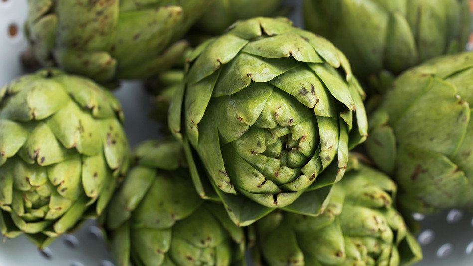<strong>The Fiber:</strong> 10.3 grams for a medium artichoke, 7.2 grams for a half-cup of artichoke hearts <br><br><strong>T