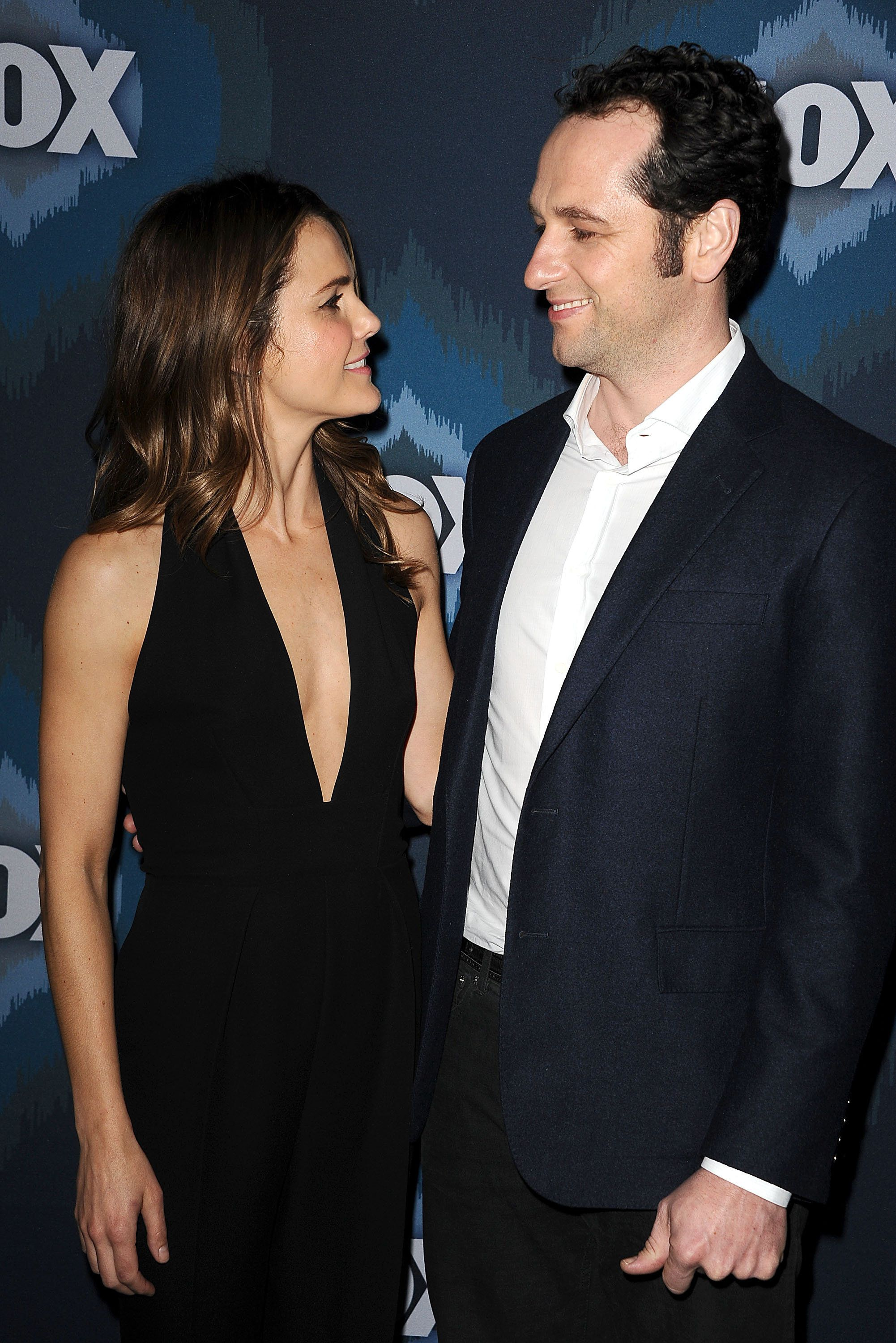PASADENA, CA - JANUARY 17:  Actress Keri Russell and actor Matthew Rhys attend the FOX winter TCA All-Star party at Langham Hotel on January 17, 2015 in Pasadena, California.  (Photo by Jason LaVeris/FilmMagic)