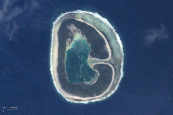 "The letter G, as modeled by Pinaki Island in a <a href=""http://earthobservatory.nasa.gov/IOTD/view.php?id=1555"">photo</a"
