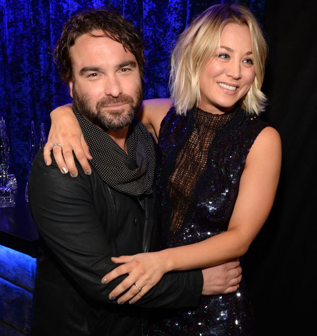 is kaley cuoco dating johnny galecki