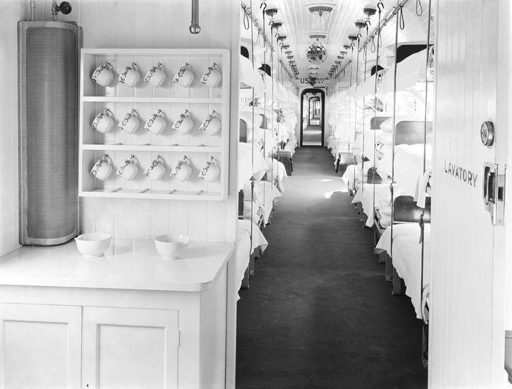 Inside an ambulance train, First World War, 1918.