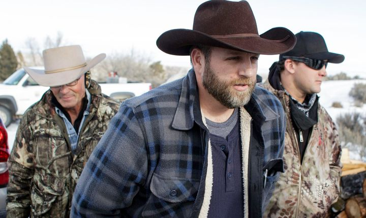 Ammon Bundy makes his way from the entrance of the Malheur National Wildlife Refuge Headquarters in Burns, Oregon on January