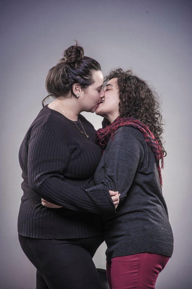 ユダヤ人とアラブ人、すべてを越えてキスするカップルたち その背景にあったのは...(画像集)