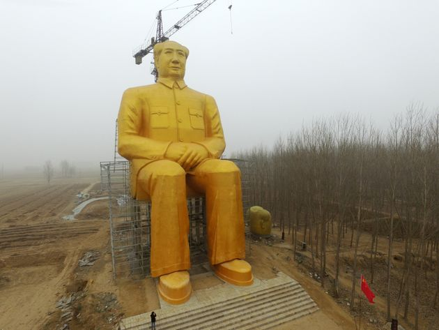 Chinese build giant statue of Mao Zedong in Tongxu village