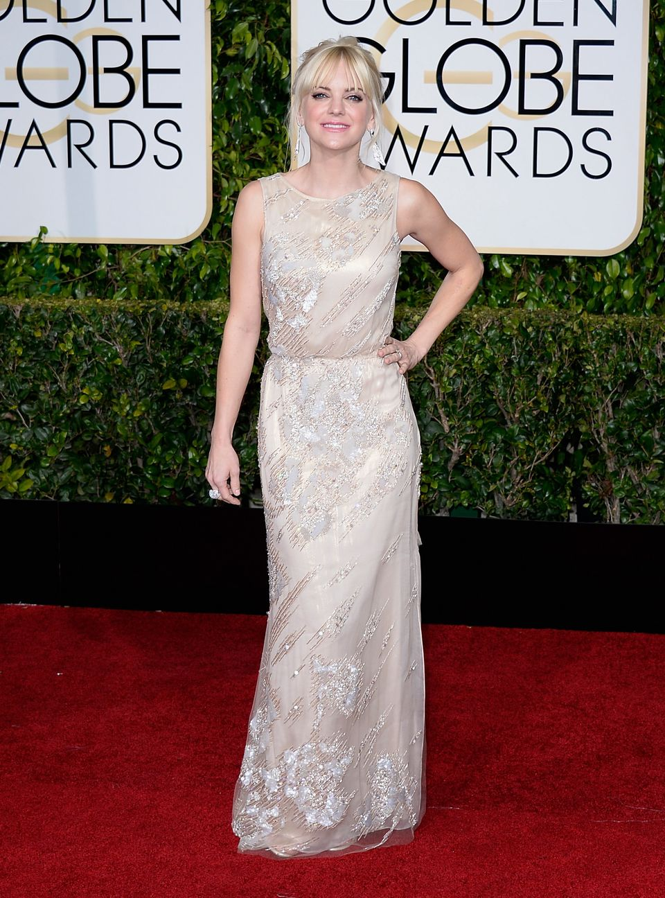 BEVERLY HILLS, CA - JANUARY 11:  72nd ANNUAL GOLDEN GLOBE AWARDS -- Pictured: Actress Anna Faris arrives to the 72nd Annual G