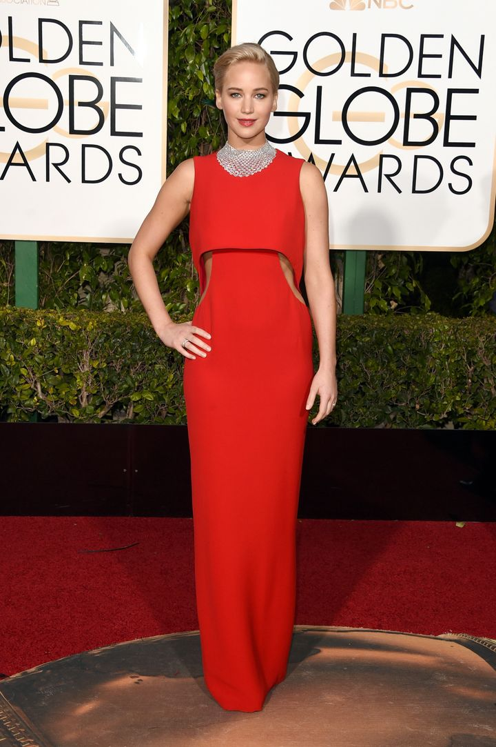 Jennifer Lawrence S Golden Globes Dress Is Dazzling And Dior Huffpost Life