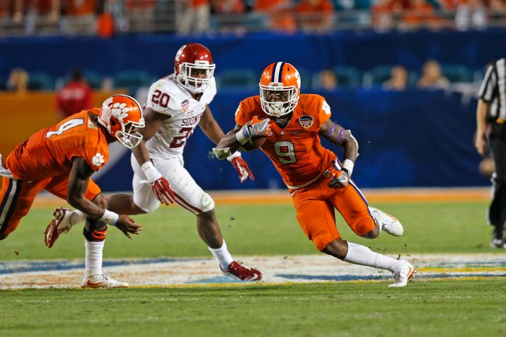 Tigers running back Wayne Gallman put up nearly 1,500 yards rushing to go along with 12 touchdowns on the ground.