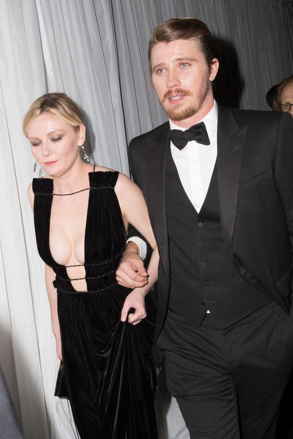 BEVERLY HILLS, CA - JANUARY 10:  Actors Kirsten Dusnst (L) and Garrett Hedlund attend Fox And FX's 2016 Golden Globe Awards P